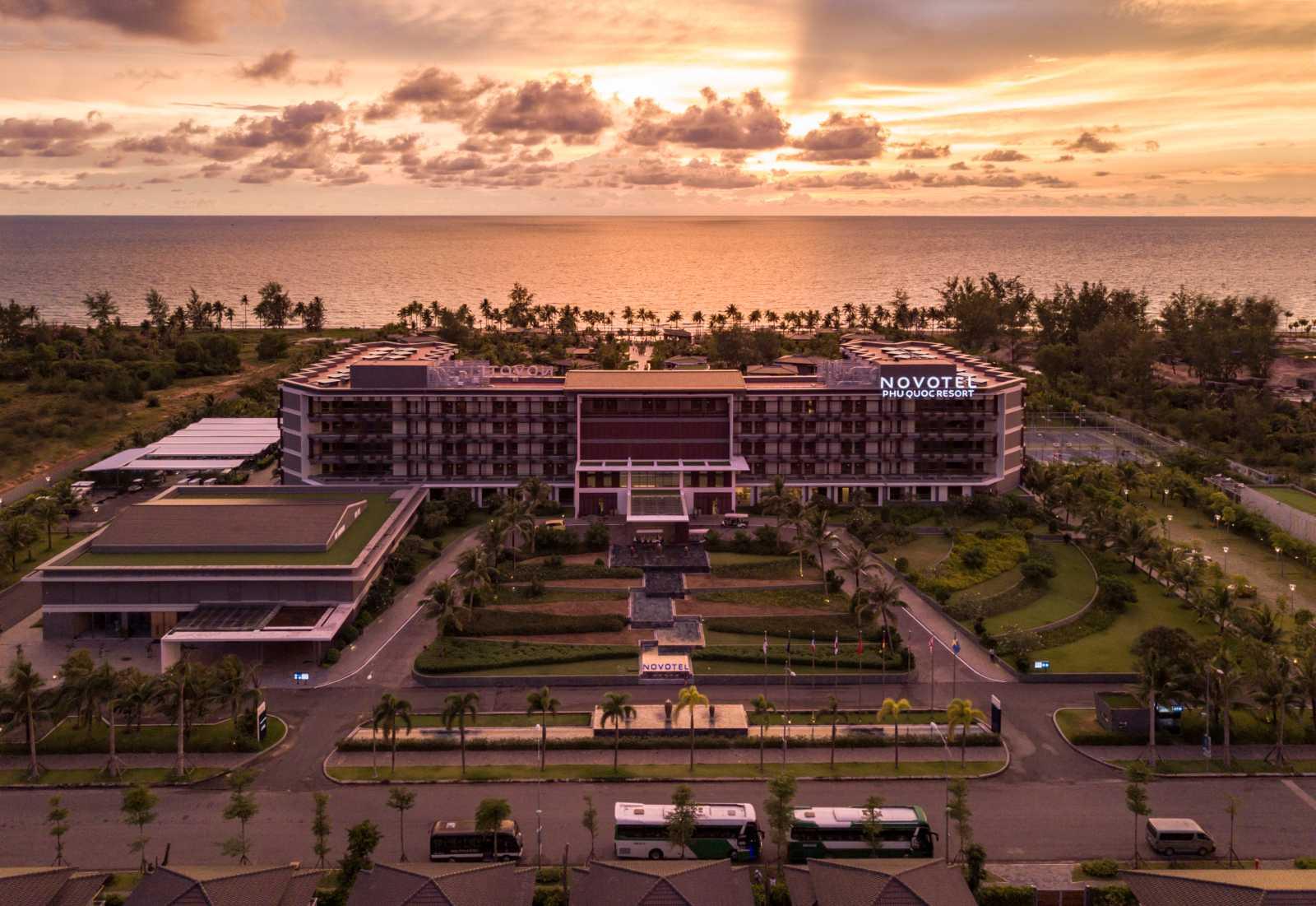 Novotel Phu Quoc Resort at sunset - Tổng hợp dự án của CEO Group tại Phú Quốc